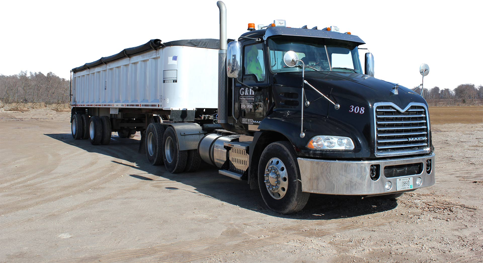 services-trucking-white-top